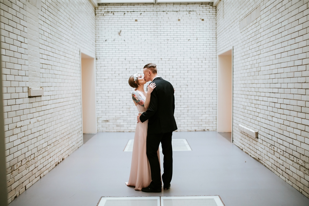 21C-hotel-wedding-photography-cincinnati-_0011.jpg