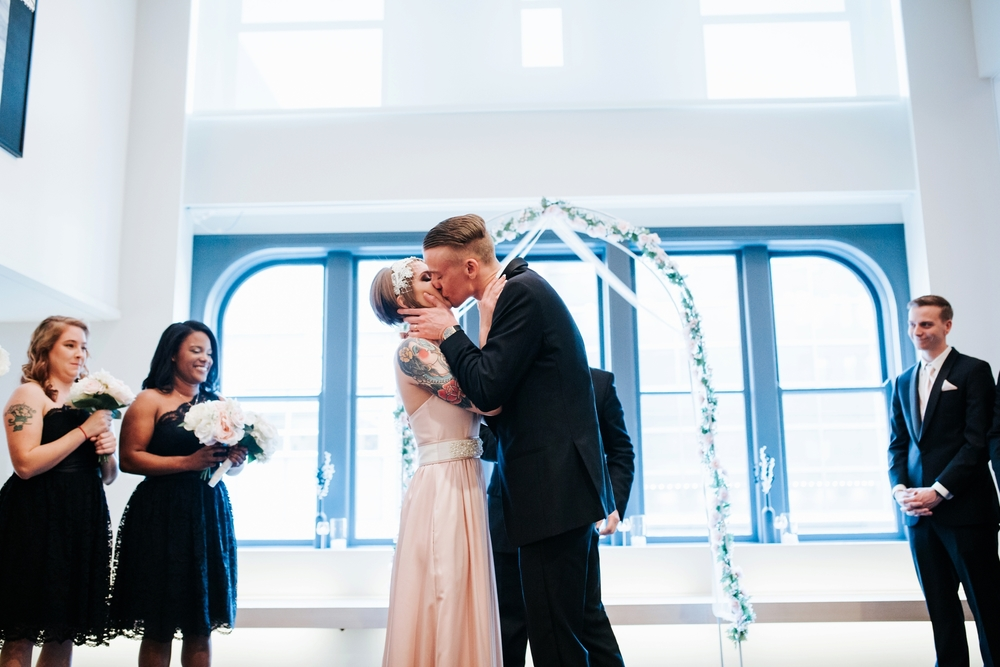 21C-hotel-wedding-photography-cincinnati-_0017.jpg