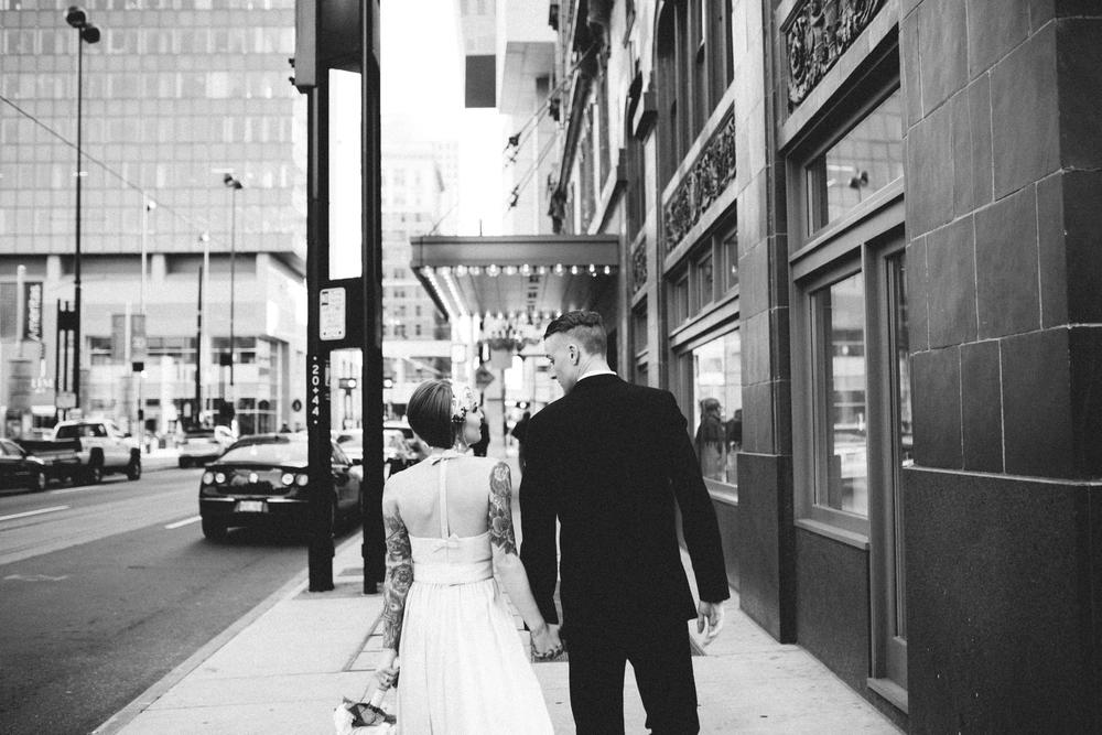 21C-hotel-wedding-photography-cincinnati-_0025.jpg