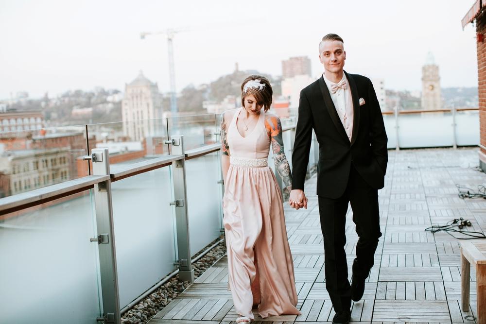 21C-hotel-wedding-photography-cincinnati-_0033.jpg