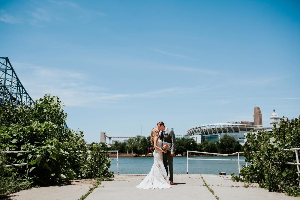 contemporary-arts-center-cincinnati-wedding-_0008.jpg