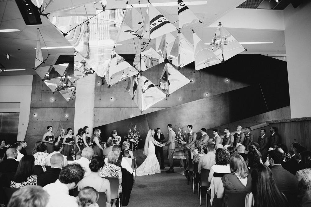 contemporary-arts-center-cincinnati-wedding-_0013.jpg