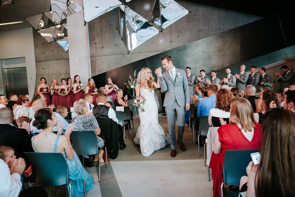 contemporary-arts-center-cincinnati-wedding-_0015.jpg
