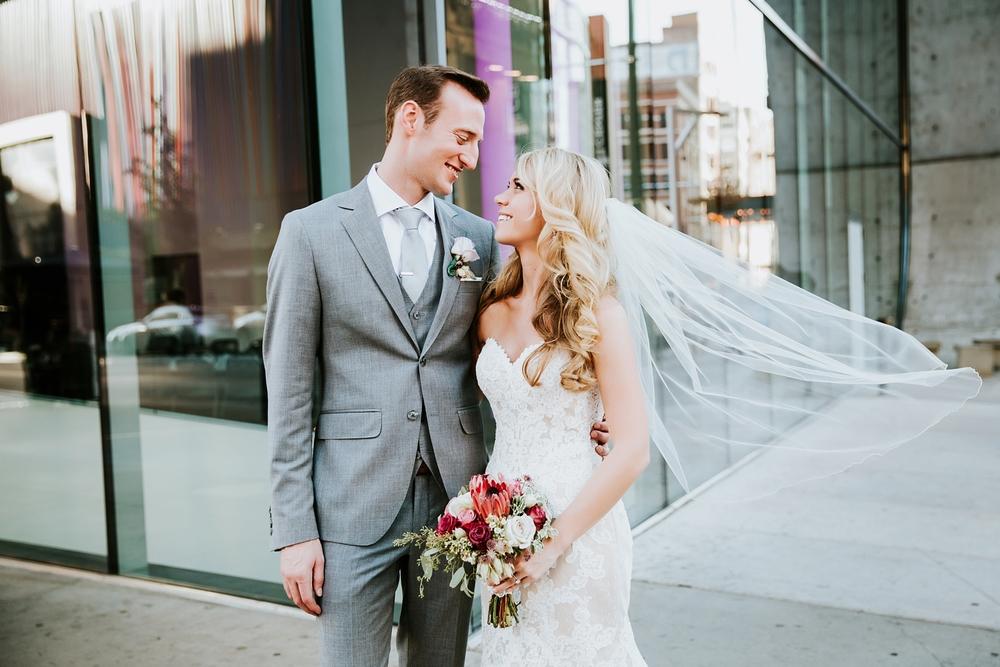 contemporary-arts-center-cincinnati-wedding-_0018.jpg