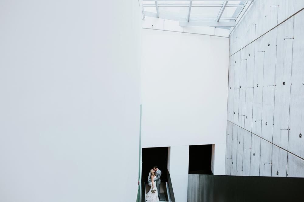 contemporary-arts-center-cincinnati-wedding-_0019.jpg