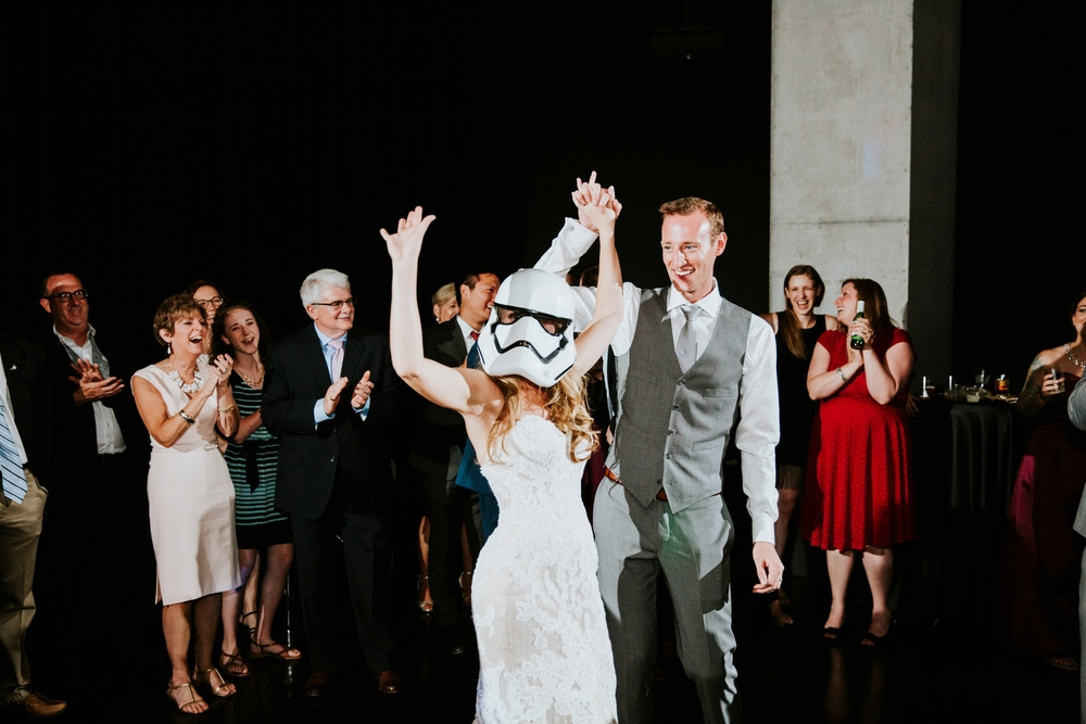 contemporary-arts-center-cincinnati-wedding-_0035.jpg