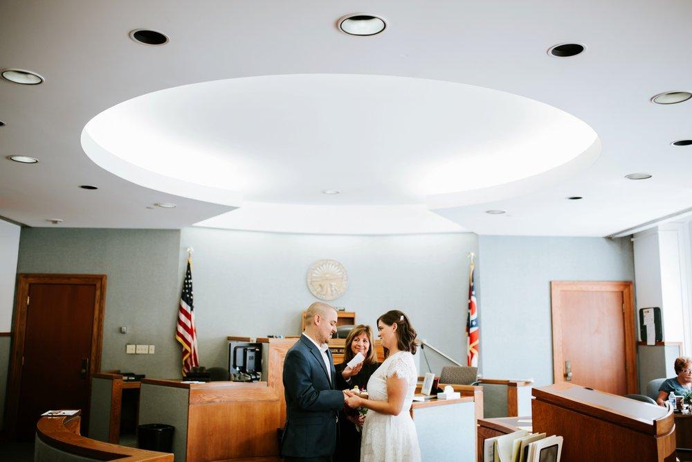 cincinnat-courthouse-elopement-_0027.jpg