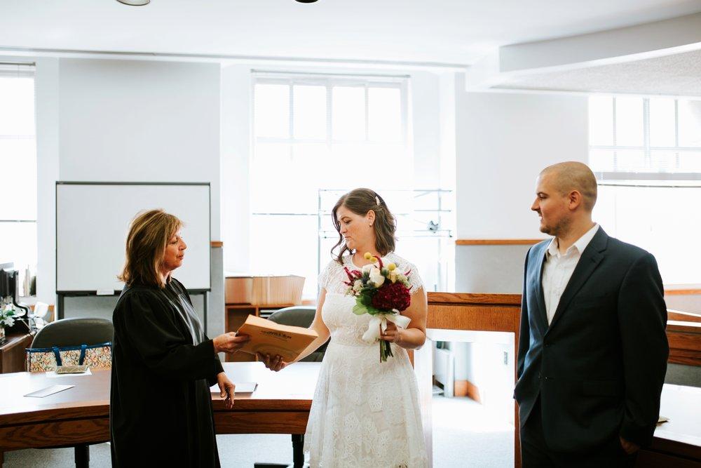 cincinnat-courthouse-elopement-_0031.jpg