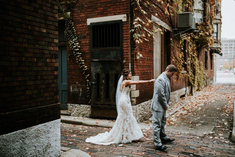 the-center-cincinnati-wedding-_0005.jpg