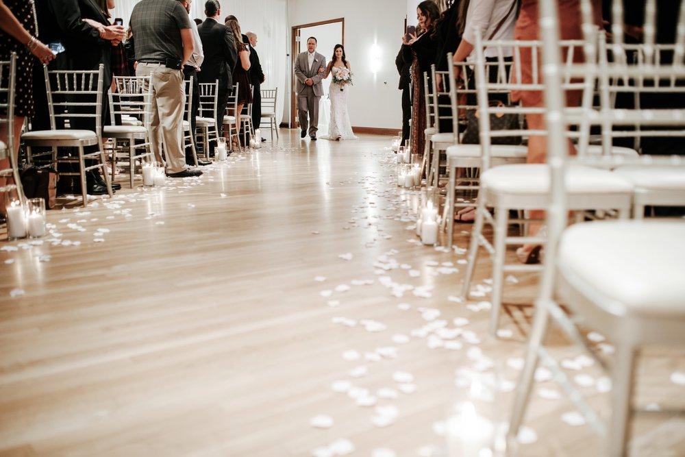 the-center-cincinnati-wedding-_0015.jpg
