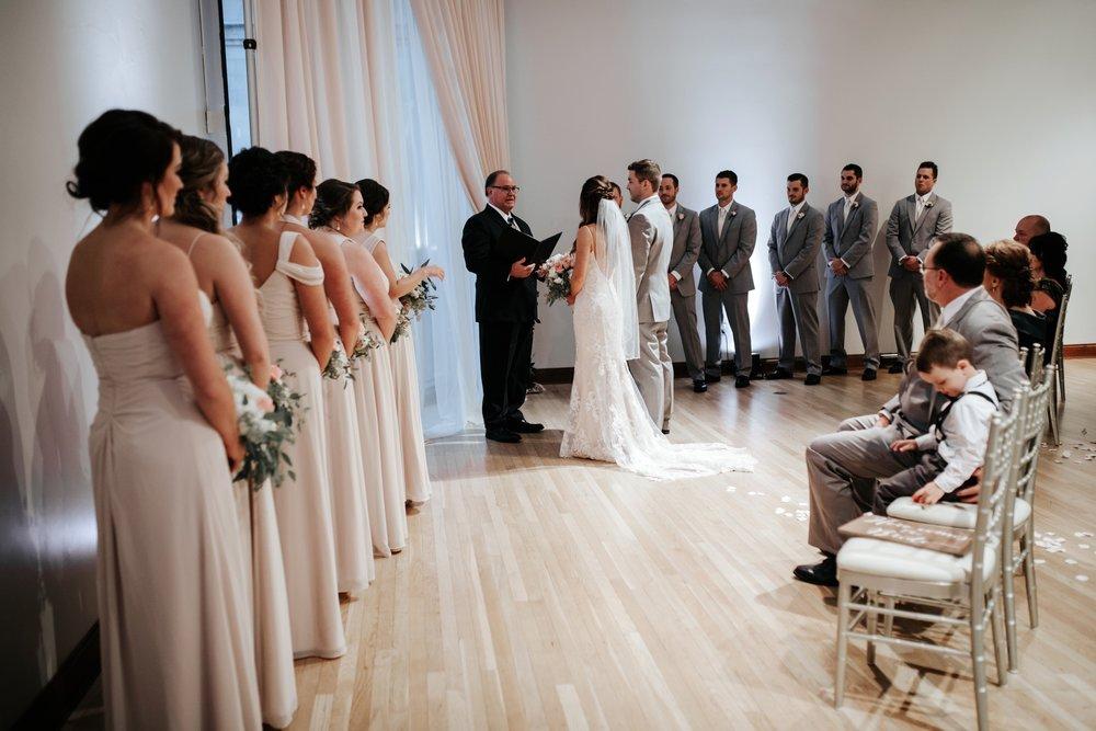 the-center-cincinnati-wedding-_0017.jpg