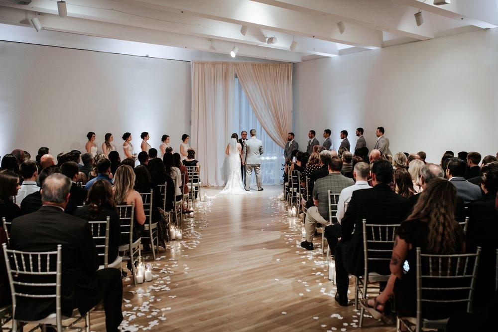 the-center-cincinnati-wedding-_0018.jpg