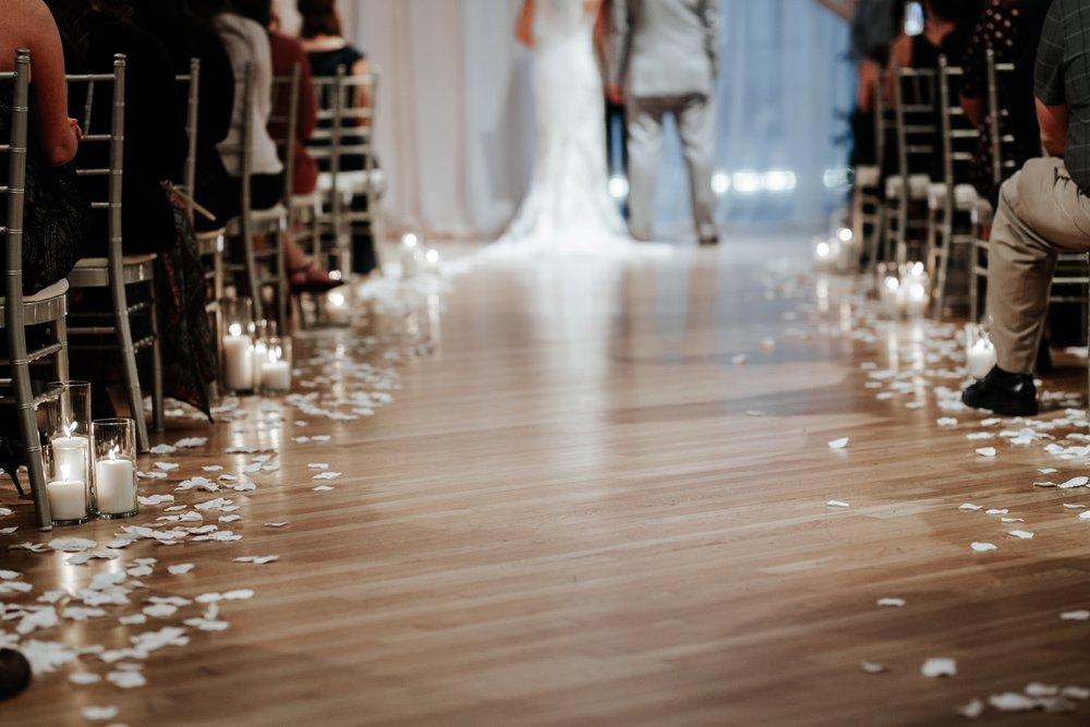 the-center-cincinnati-wedding-_0019.jpg