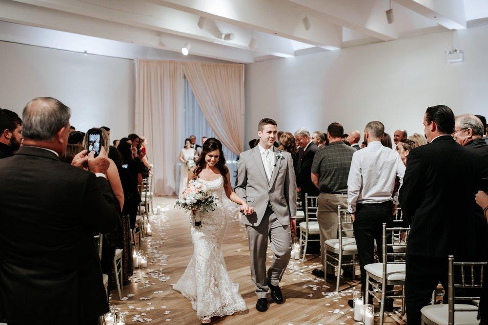 the-center-cincinnati-wedding-_0021.jpg