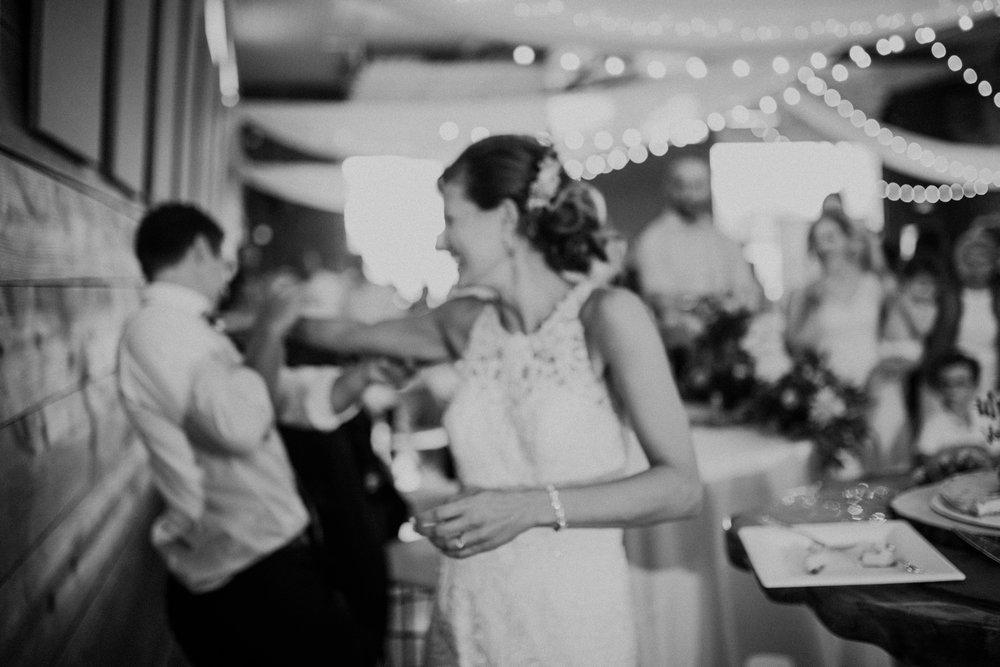 the-stables-toledo-ohio-wedding-_0034.jpg