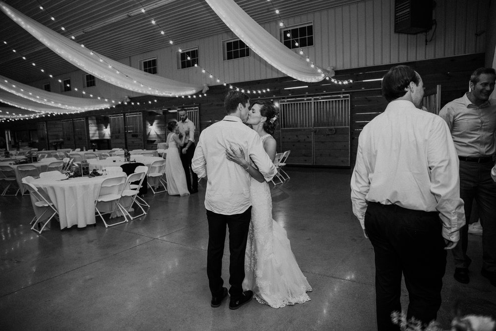 the-stables-toledo-ohio-wedding-_0046.jpg