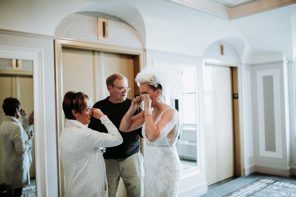 contemporary-art-center-art-deco-halloween-wedding-_0008.jpg