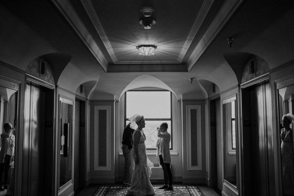 contemporary-art-center-art-deco-halloween-wedding-_0009.jpg