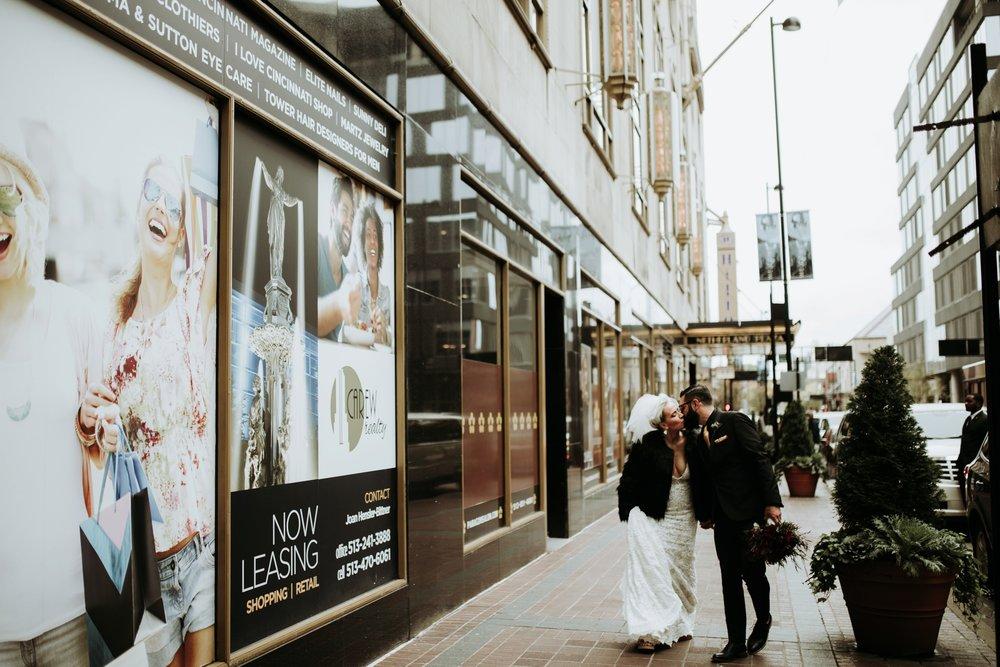 contemporary-art-center-art-deco-halloween-wedding-_0015.jpg