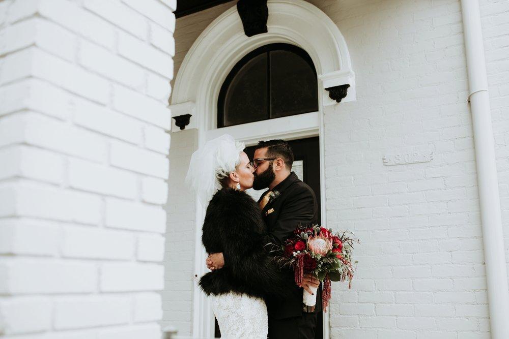 contemporary-art-center-art-deco-halloween-wedding-_0021.jpg