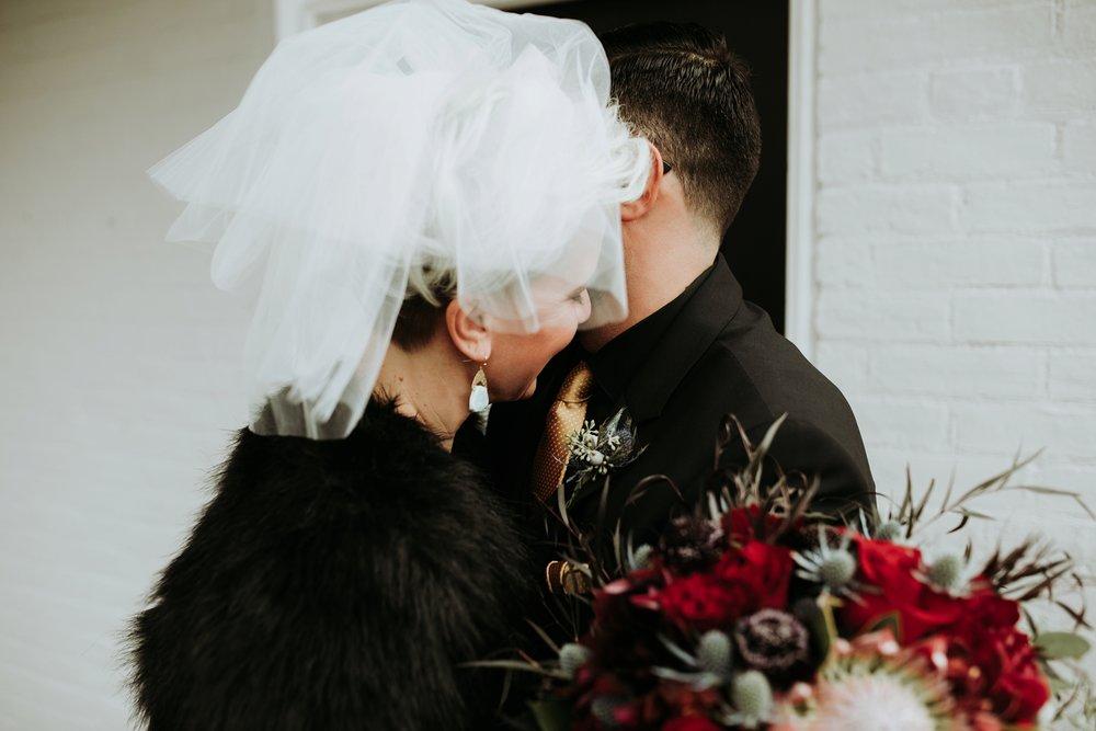 contemporary-art-center-art-deco-halloween-wedding-_0022.jpg