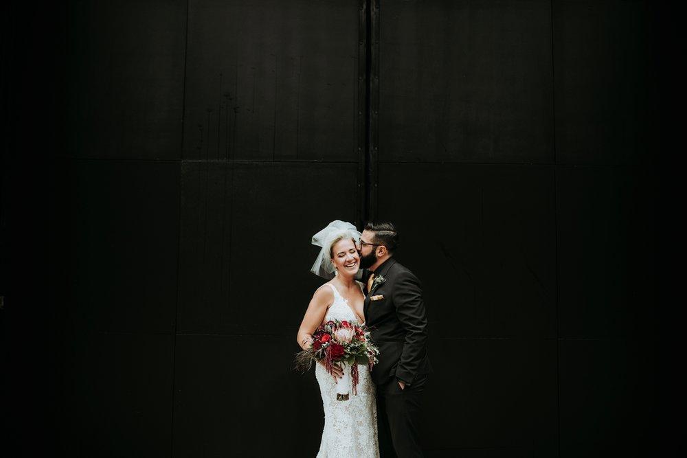 contemporary-art-center-art-deco-halloween-wedding-_0031.jpg