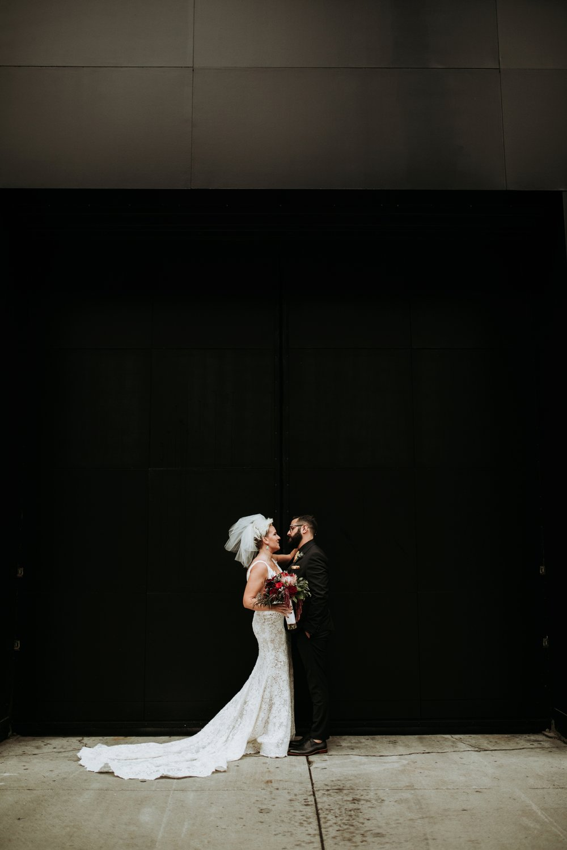 contemporary-art-center-art-deco-halloween-wedding-_0030.jpg