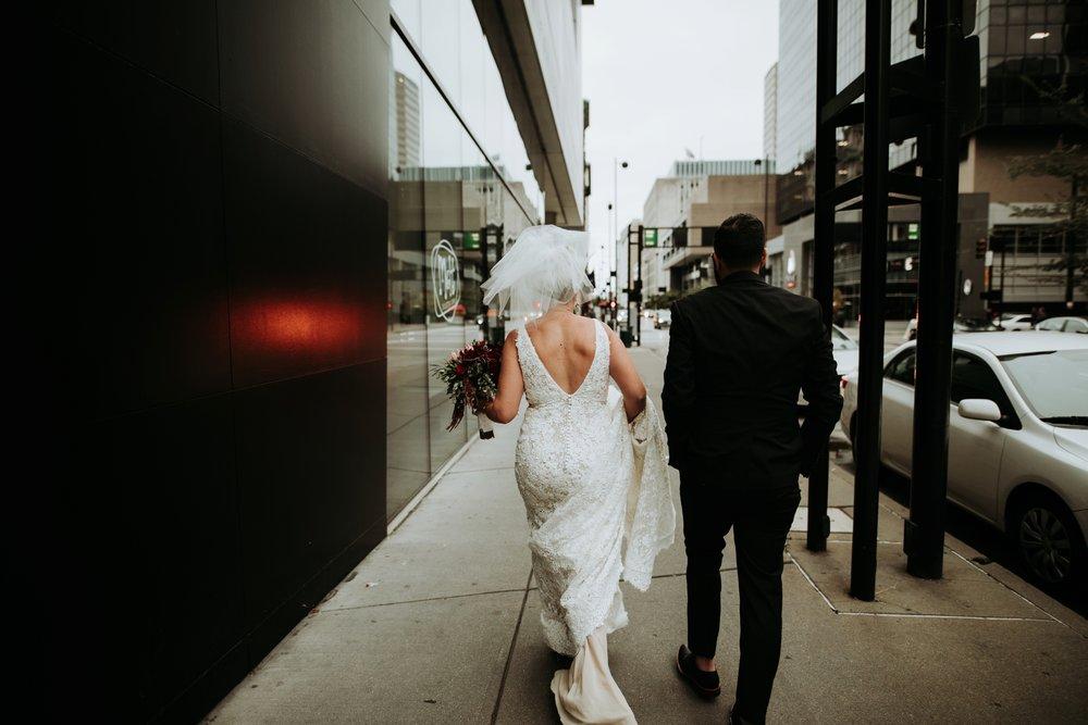 contemporary-art-center-art-deco-halloween-wedding-_0032.jpg