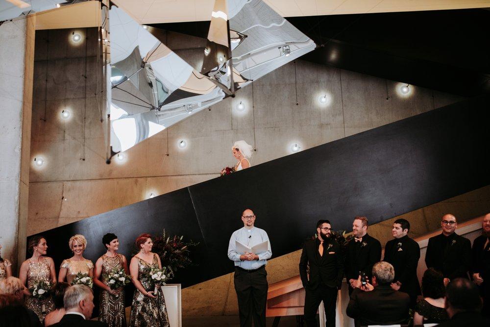 contemporary-art-center-art-deco-halloween-wedding-_0034.jpg