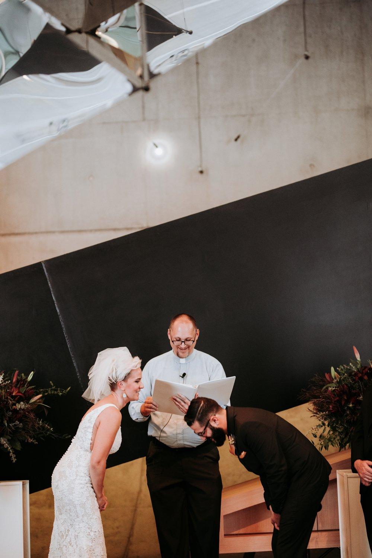 contemporary-art-center-art-deco-halloween-wedding-_0035.jpg