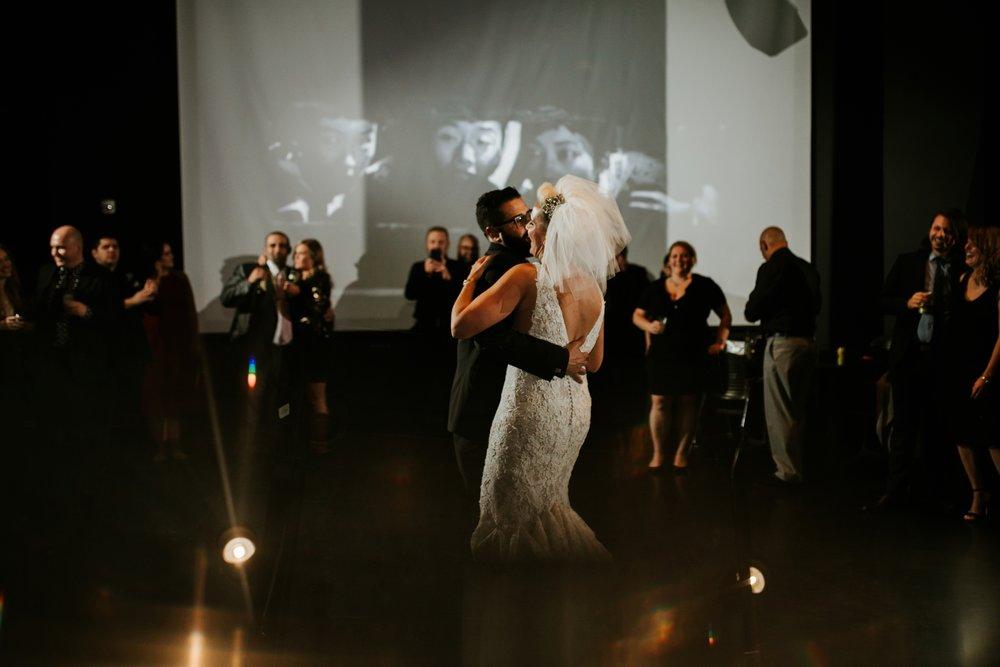 contemporary-art-center-art-deco-halloween-wedding-_0044.jpg