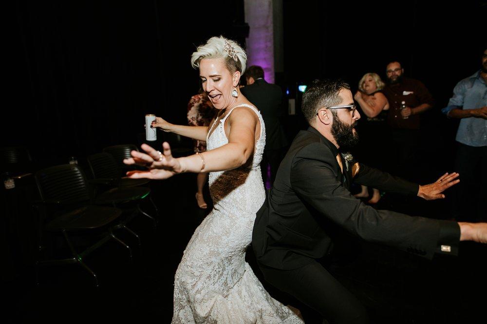 contemporary-art-center-art-deco-halloween-wedding-_0048.jpg