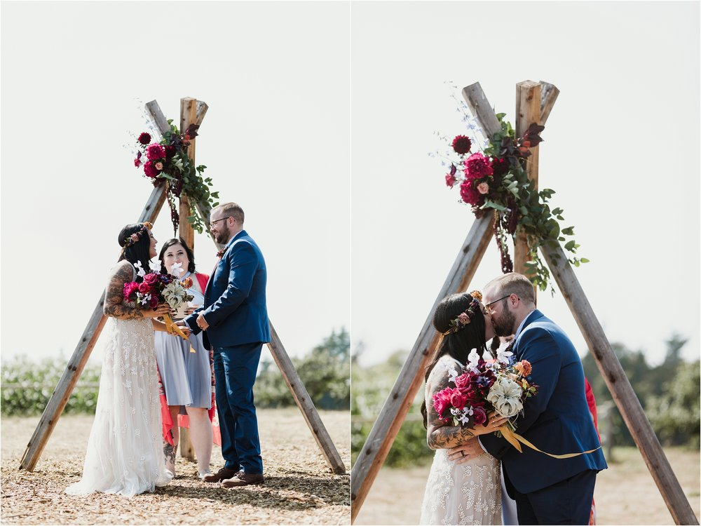 santa-cruz-cowell-ranch-hay-barn-wedding-photograhy_0018.jpg