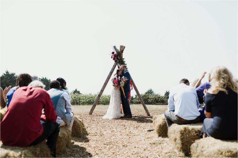 santa-cruz-cowell-ranch-hay-barn-wedding-photograhy_0019.jpg
