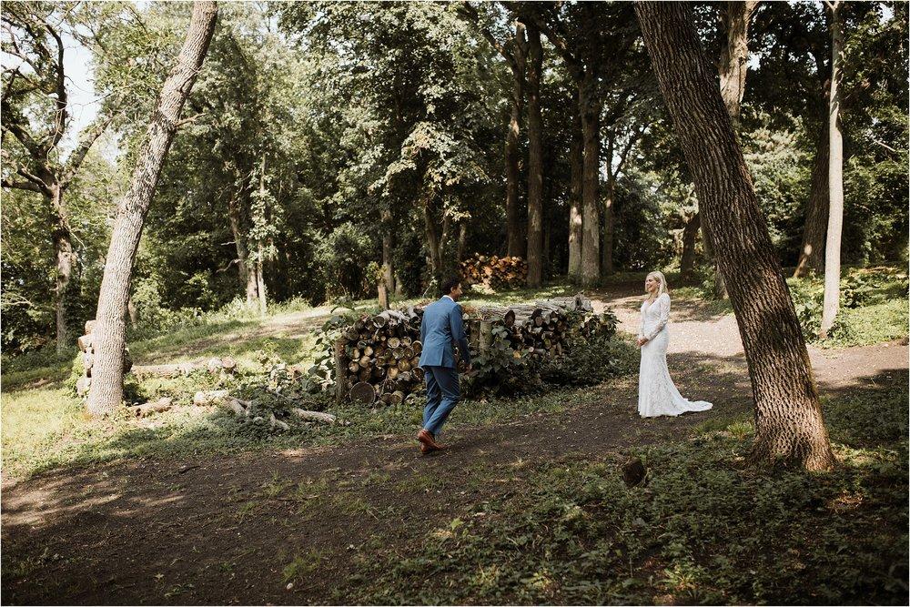 backyard-minneapolis-willmar-minnesota-wedding-photography_0009.jpg