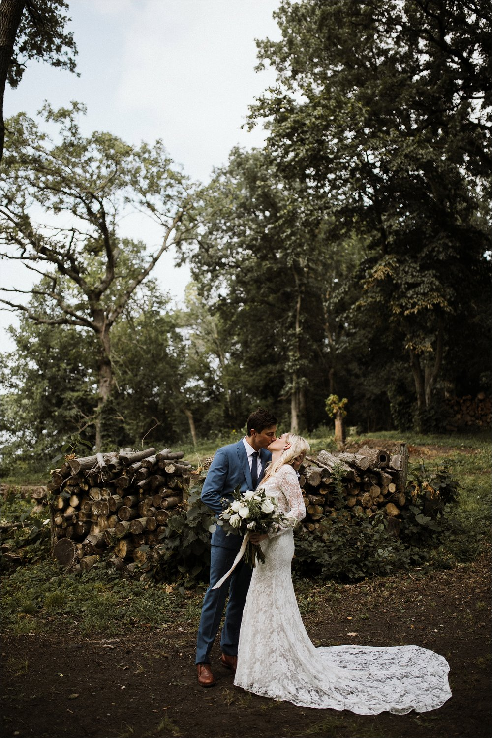backyard-minneapolis-willmar-minnesota-wedding-photography_0011.jpg