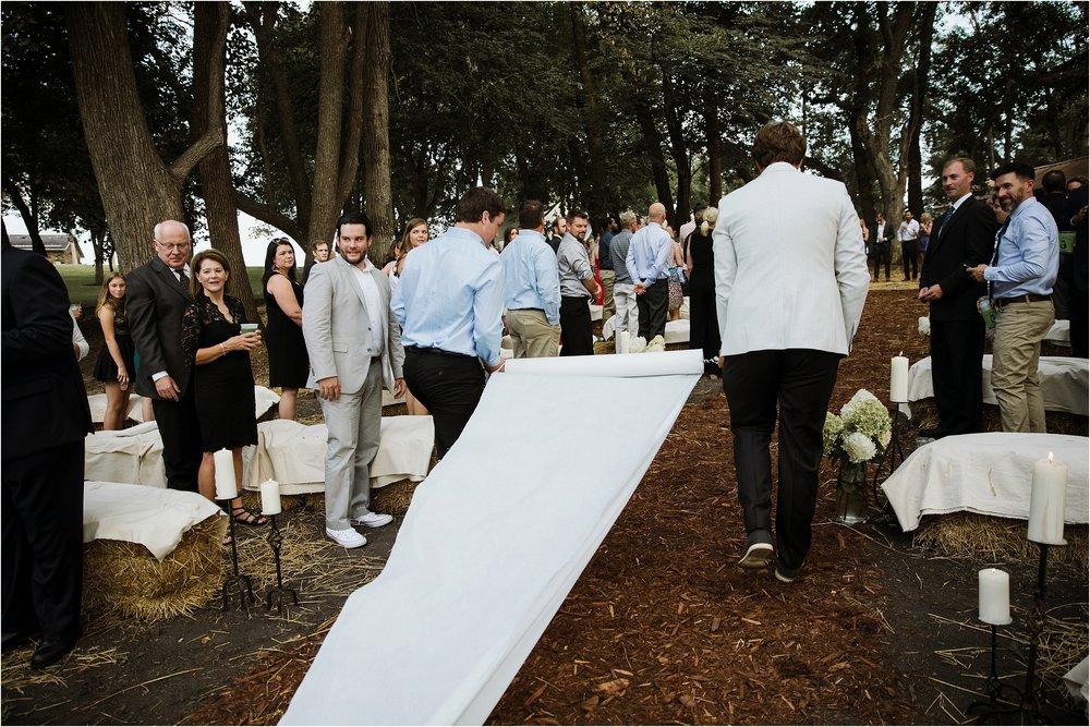 backyard-minneapolis-willmar-minnesota-wedding-photography_0022.jpg