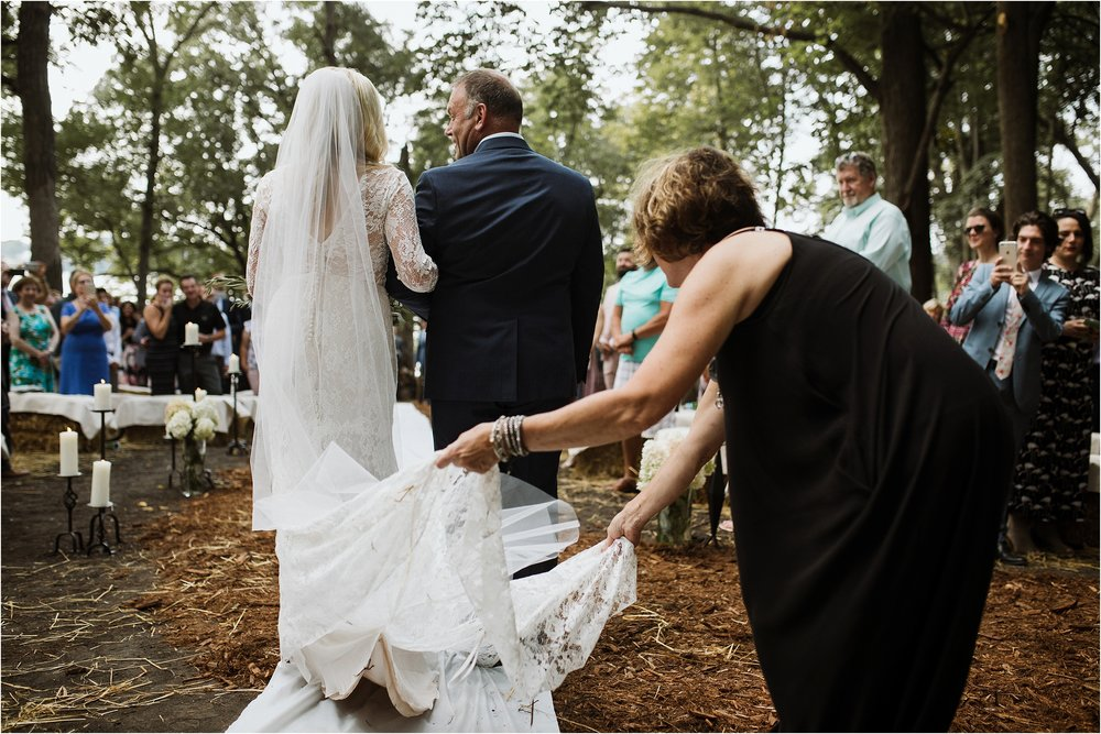 backyard-minneapolis-willmar-minnesota-wedding-photography_0025.jpg