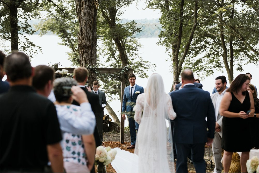 backyard-minneapolis-willmar-minnesota-wedding-photography_0027.jpg