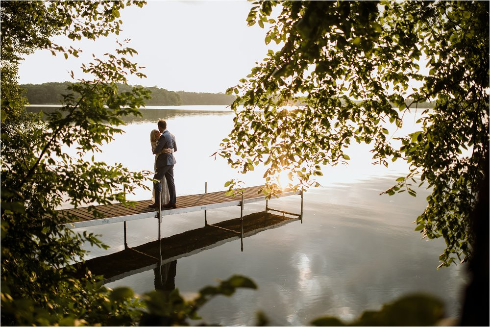 backyard-minneapolis-willmar-minnesota-wedding-photography_0038.jpg