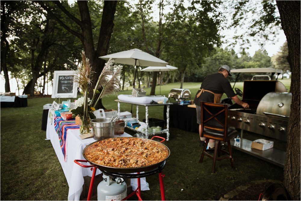 backyard-minneapolis-willmar-minnesota-wedding-photography_0044.jpg