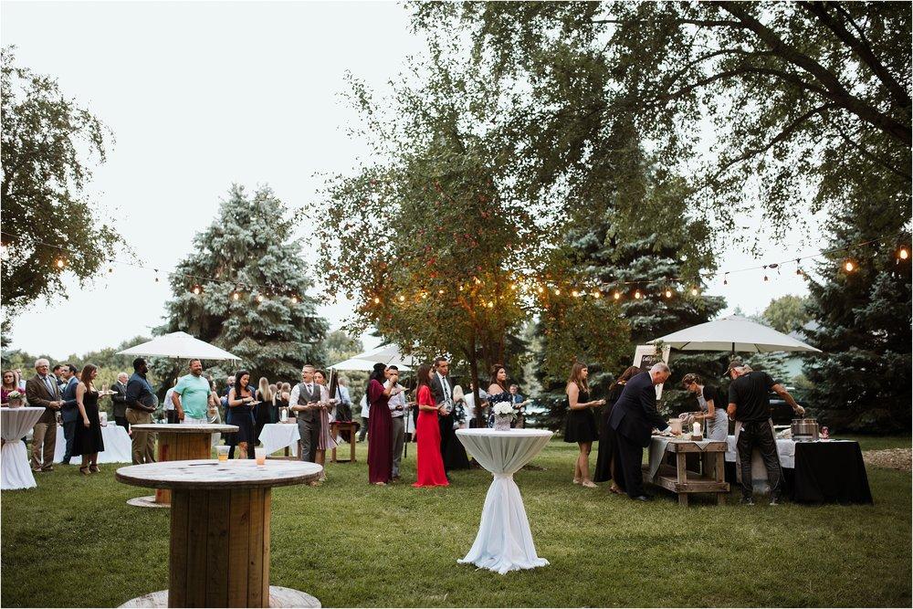 backyard-minneapolis-willmar-minnesota-wedding-photography_0045.jpg