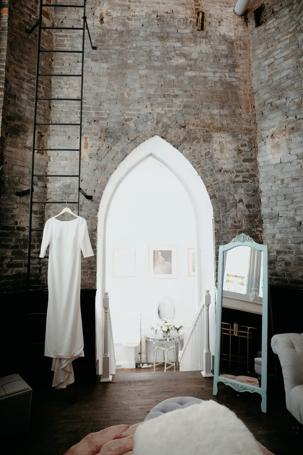 the-transept-modern-otr-cincinnati-wedding1.JPG