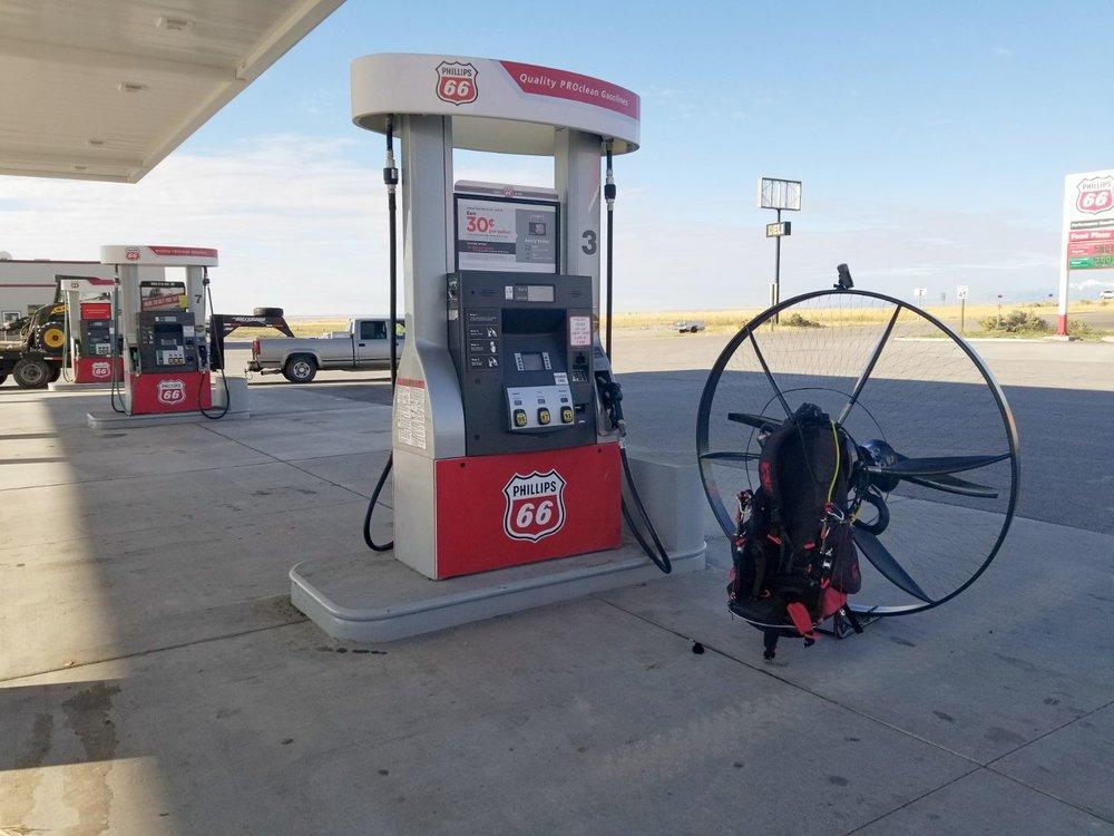 Tucker gets gas