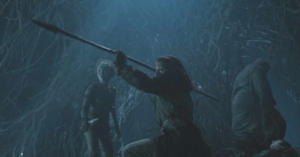 Meera Reed  using obsidian weapons  alongside a Child of the Forest
