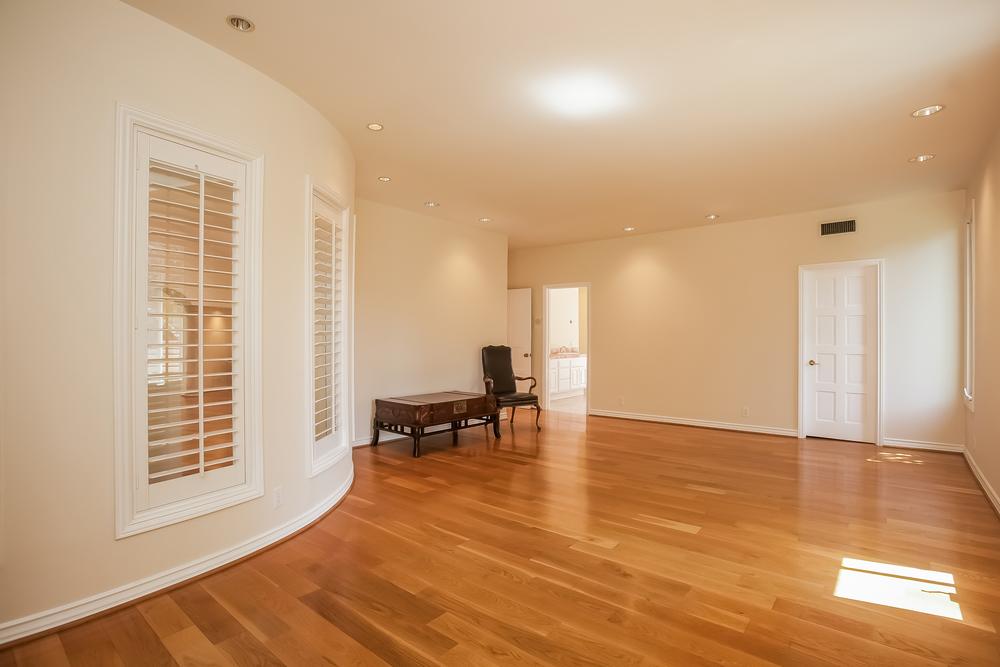 021-Master_Bedroom-2804431-large.jpg