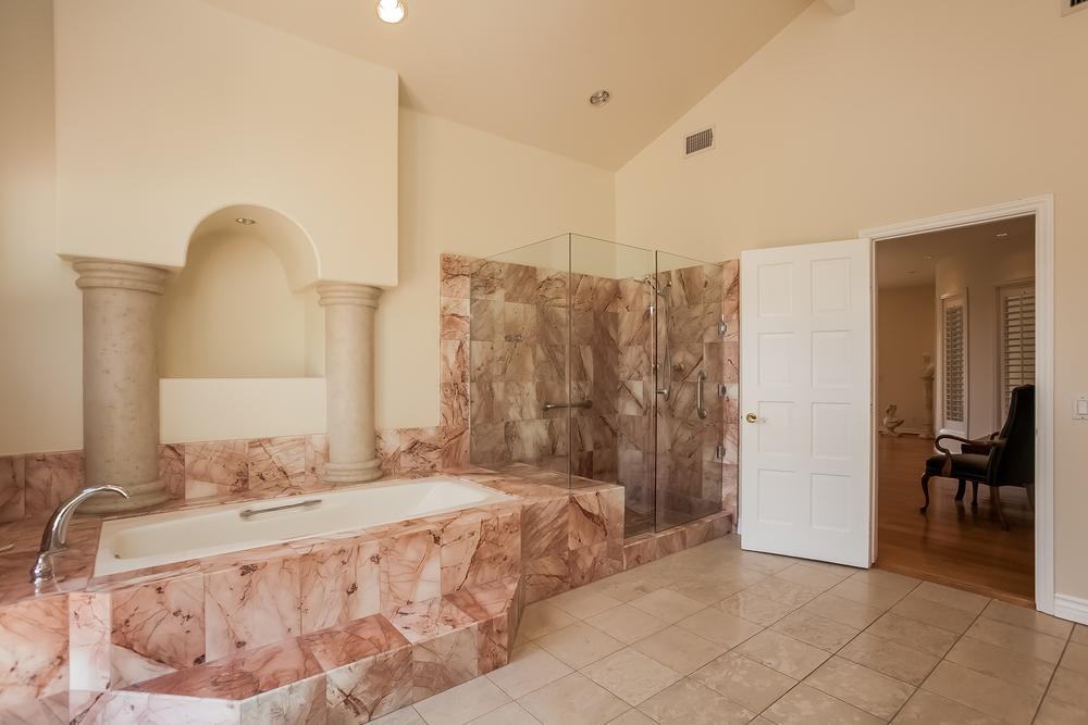 024-Master_Bathroom-2804442-large.jpg