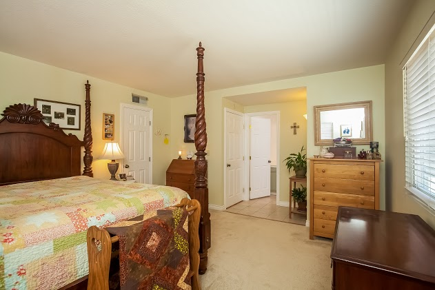 015-Master_Bedroom-2827480-large.jpg