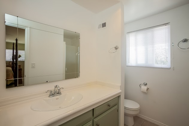 018-Master_Bathroom-2827469-large.jpg