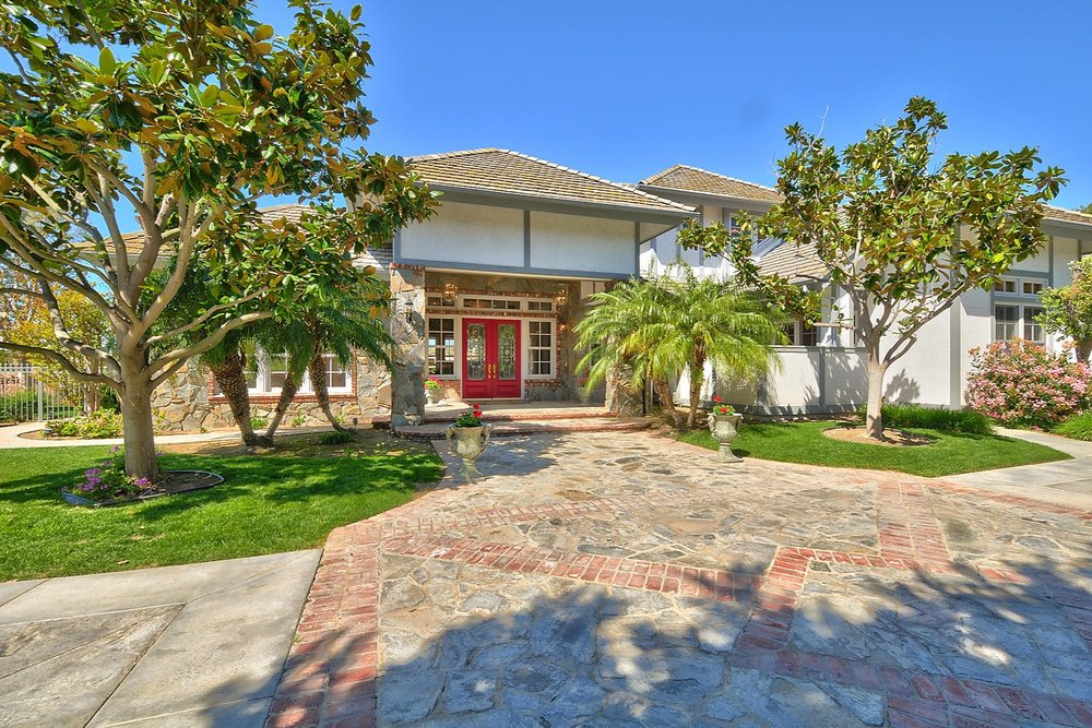 1012 Corte Barroso, Camarillo, CA Closed/ Listed at $1,739,000